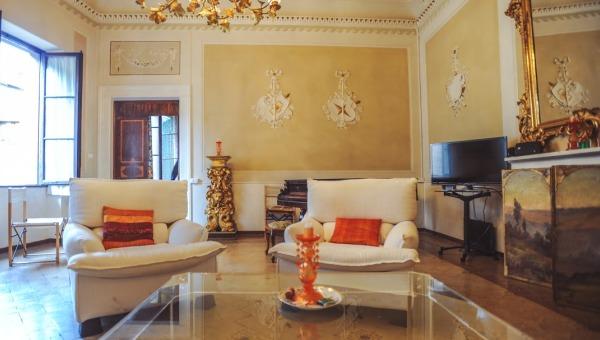 Vendita appartamenti terratetto attici citta in toscana for Appartamenti siena