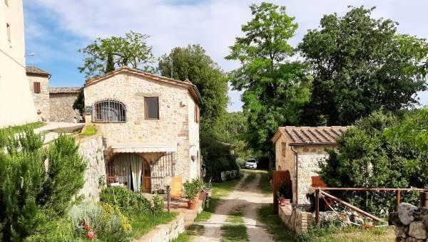 Vendita Fienile in Campagna Senese - Betti Immobiliare Toscana Rif 2108