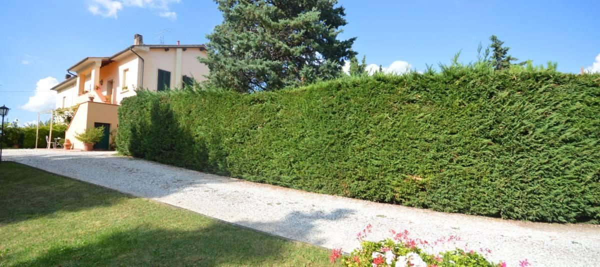Vendita Appartamento in casale o porzione Campagna Fiorentina RIF:2132 - Agenzia Immobiliare Betti Poggibonsi Siena Toscana (0)