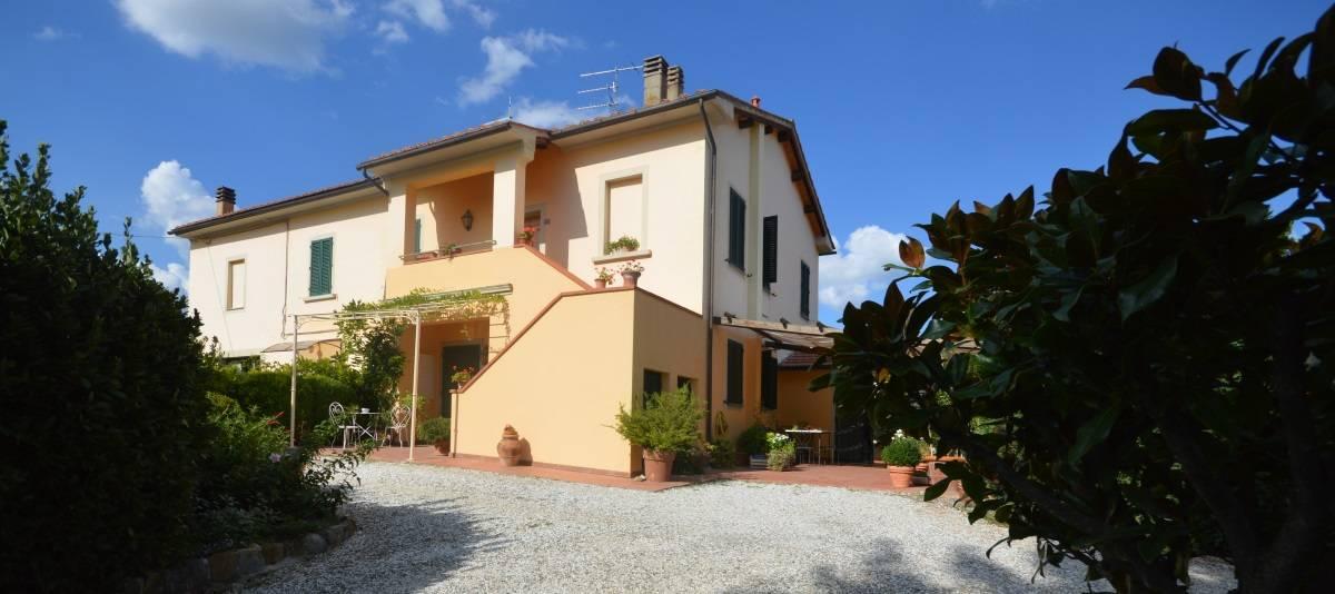 Vendita Appartamento in casale o porzione Campagna Fiorentina RIF:2132 - Agenzia Immobiliare Betti Poggibonsi Siena Toscana (1)