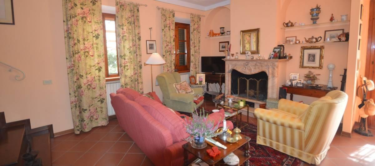 Vendita Appartamento in casale o porzione Campagna Fiorentina RIF:2132 - Agenzia Immobiliare Betti Poggibonsi Siena Toscana (7)