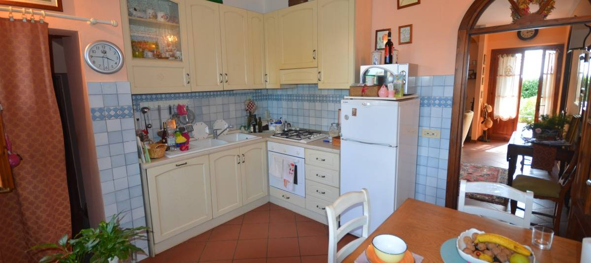 Vendita Appartamento in casale o porzione Campagna Fiorentina RIF:2132 - Agenzia Immobiliare Betti Poggibonsi Siena Toscana (9)