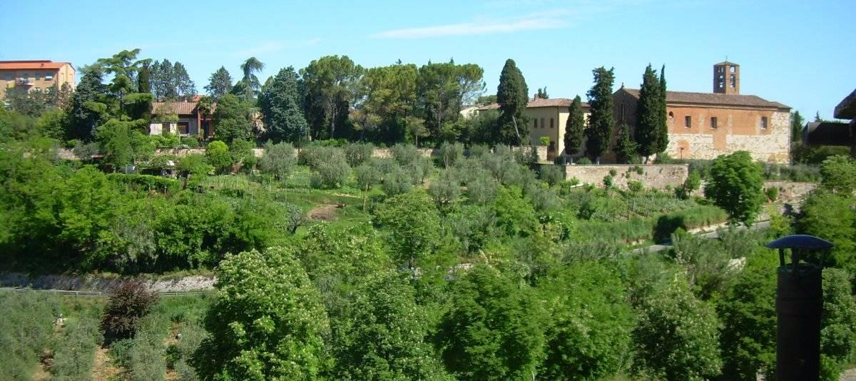 Vendita Appartamento in città in Città RIF:2183 - Agenzia Immobiliare Betti Poggibonsi Siena Toscana (0)