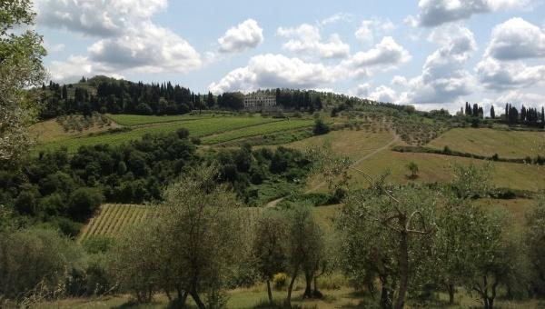 Case Toscane Agenzia Immobiliare : Vendita appartamenti fienili case coloniche casali e porzioni